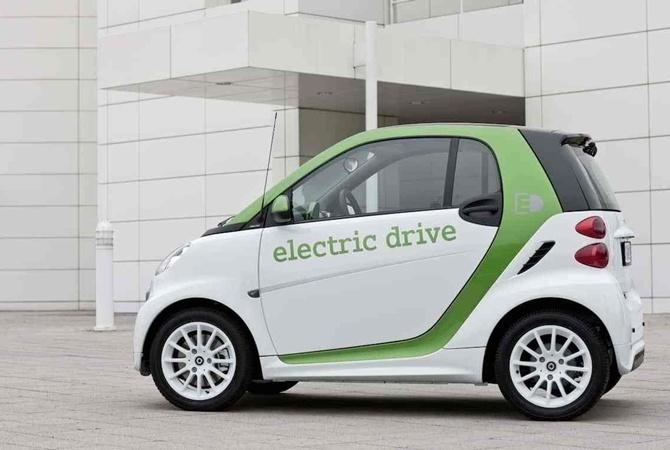 Евросоюз обязал производителей электромобилей делать шумные машины