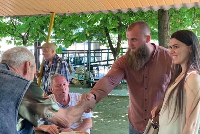 Зе!кандидат Артём Дмитрук провел встречу с жителями Киевского района