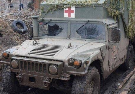 На Донбассе обстреляли санитарный автомобиль ВСУ: есть погибший