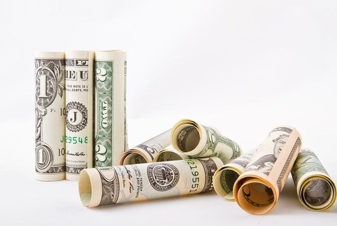 Что будет с долларом перед Днем Конституции