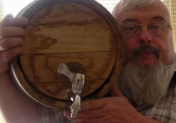 Экспериментатор из Винницы делает вино из томатов и одуванчиков [фото]