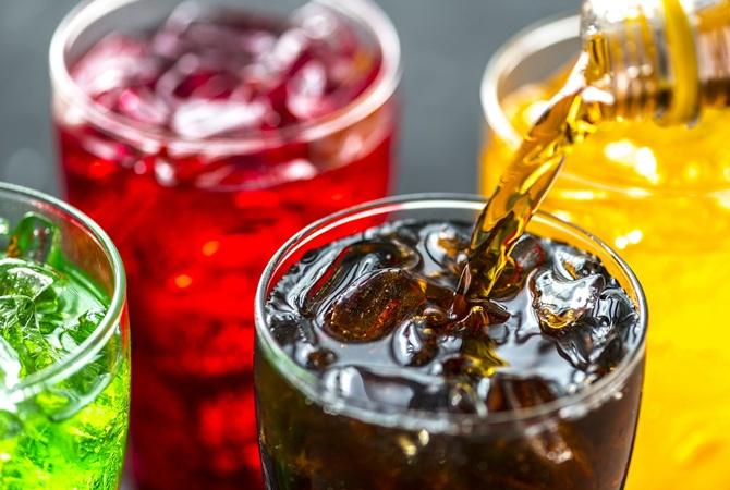 Сладкие напитки связаны с риском онкологии