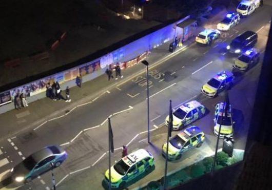 В Лондоне автомобиль протаранил толпу людей [фото, видео]