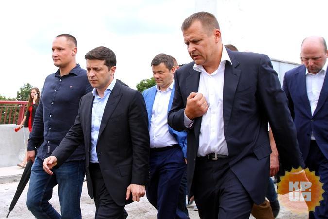 Пари с Президентом: Центральный мост в Днепре перекроют на два месяца