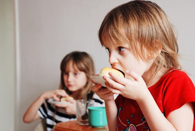 Сахар в продуктах детского питания превышает норму - Всемирная организация здравоохранения