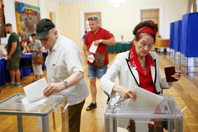 Подсчитаны все голоса за границей: здесь в Раду проходят только три партии [фото, обновлено]