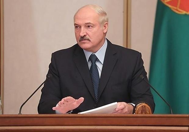 """Лукашенко пообещал посадить свое правительство: """"За падеж скота - в тюрьму!"""""""