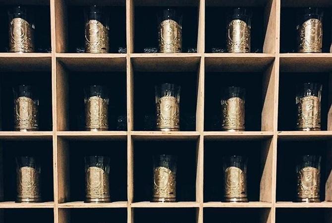 """Укрзализныця"" решила не закупать стаканы по 2 тысячи гривен за штуку"