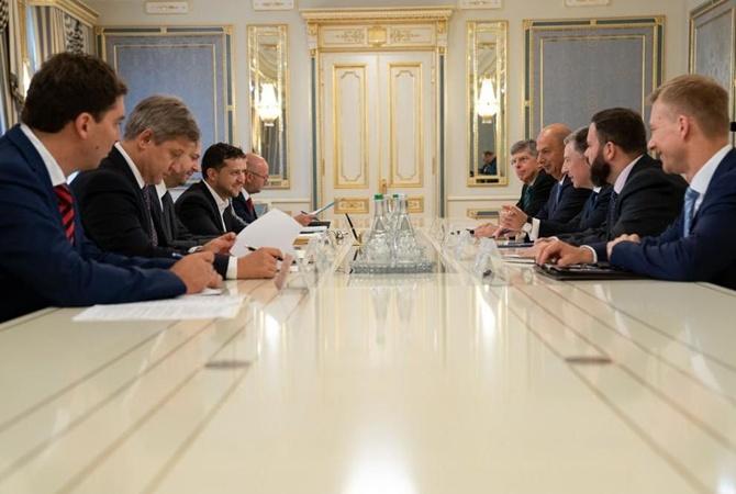 Зеленский встретился с Куртом Волкером и обсудил ситуацию на Донбассе