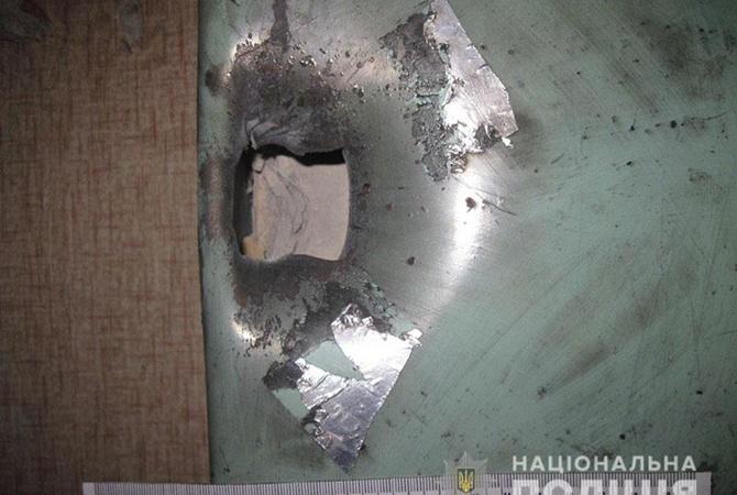 В Мариуполе мужчина на место сломанного замка установил гранату, которая взорвалась
