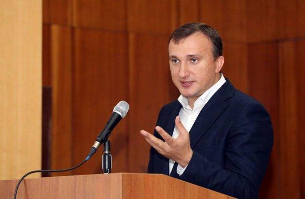 """Громкие скандалы, ожесточенные противостояния, кандидаты-клоны: """"мажоритарка"""" на Киевщине"""