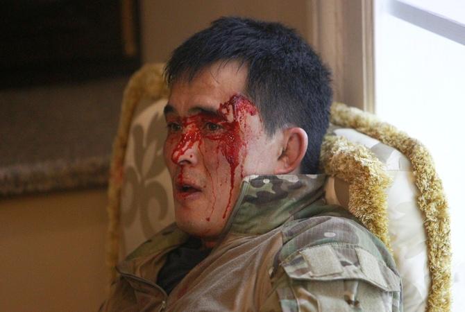 Задержание экс-президента Кыргызстана: ночной штурм спецназа провалился [фото, видео]