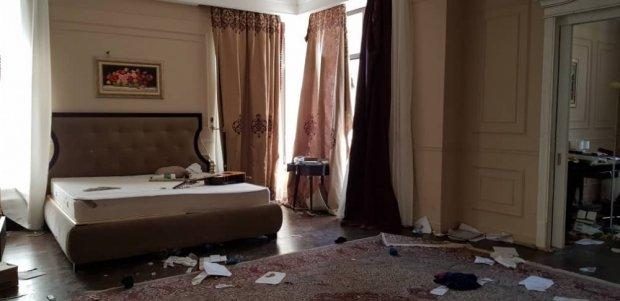 Хаос и пятна крови: как выглядит дом экс-президента Кыргызстана Атамбаева после его ареста