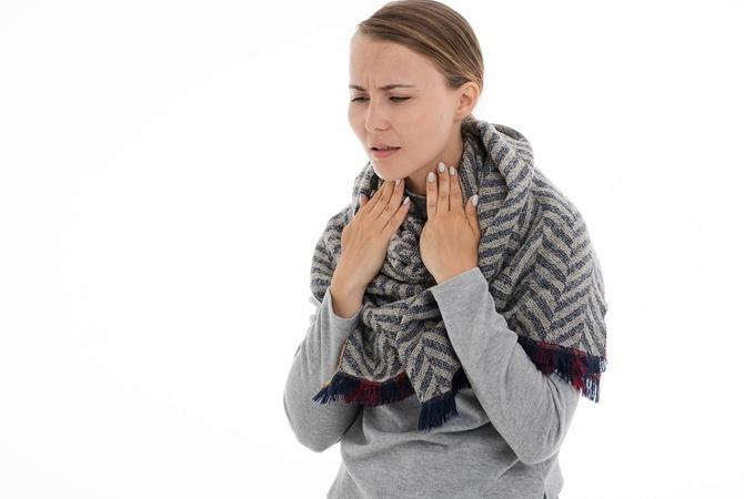 Болит горло: что делать и когда обращаться к врачу