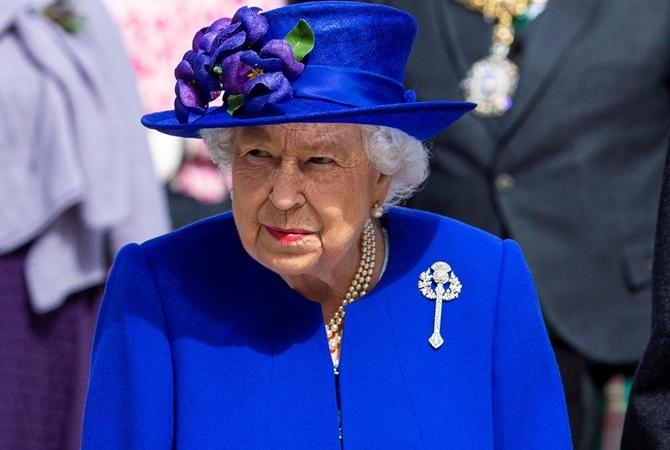 """Елизавета II разочарована """"неспособностью"""" британских политиков управлять страной"""