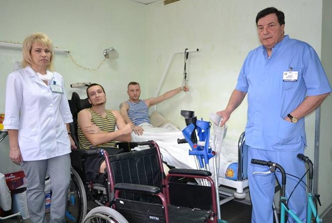 Хирург-травматолог из Днепра стал лучшим врачом Украины