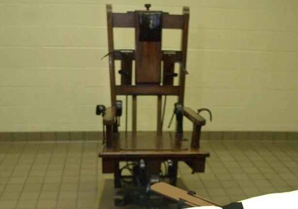 Приговоренный к казни в США выбрал электрический стул и картошку фри [фото, обновлено]