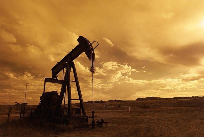 Падение цен на нефть как предвестник кризиса: что это значит для Украины