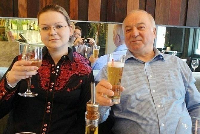 """Дело Скрипалей: в крови полицейского нашли следы """"Новичка"""""""