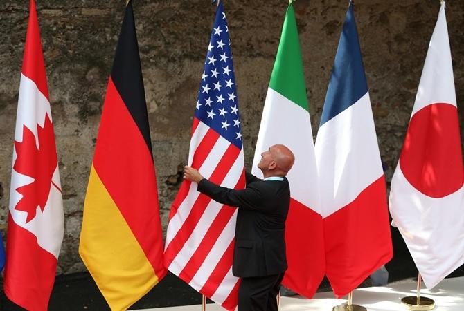 """Саммит G7 в столице миллионеров: дроны-охранники, """"желтые жилеты"""" и десант из прокуроров"""