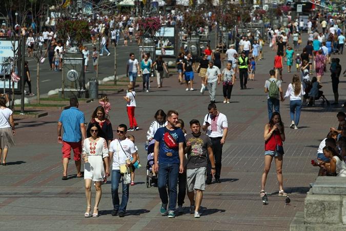Без каблуков и селфи: как вести себя в толпе на праздновании Дня Независимости