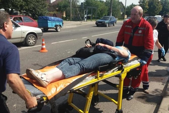 Во Львове полицейские сбили двух женщин на пешеходном переходе [фото, обновлено]