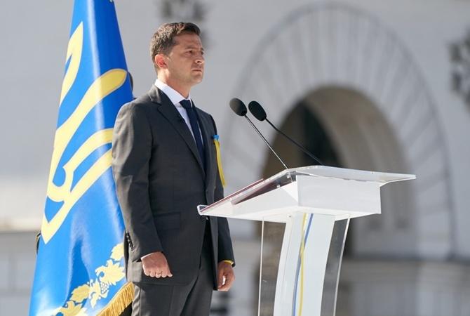 Макрон назвал Зеленского инициативным, а Путин от поздравлений воздержался