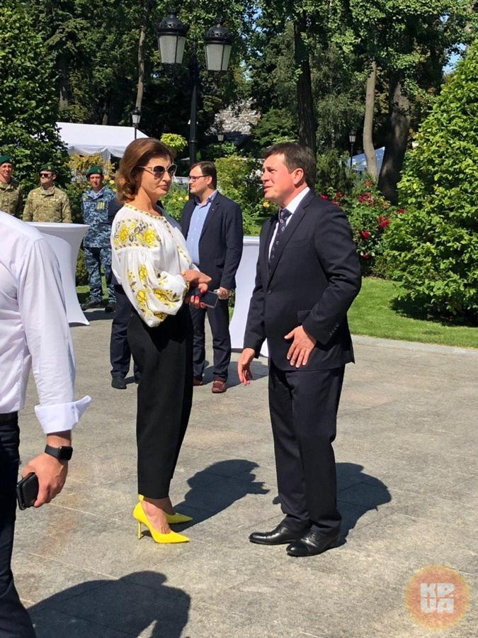 Марина Порошенко пришла на прием к Зеленским, но проигнорировала дресс-код [фото]
