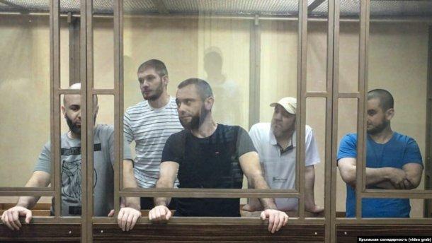 """Российские тюремщики перевернули """"вверх ногами"""" камеру украинского политзаключенного"""