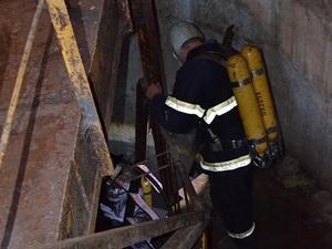 В Апостолово 60-летний рабочий утонул в потоке фекалий  [фото, видео]