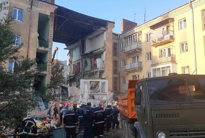В Дрогобыче взорвалась многоэтажка: погибли 2 жильца [фото, видео]