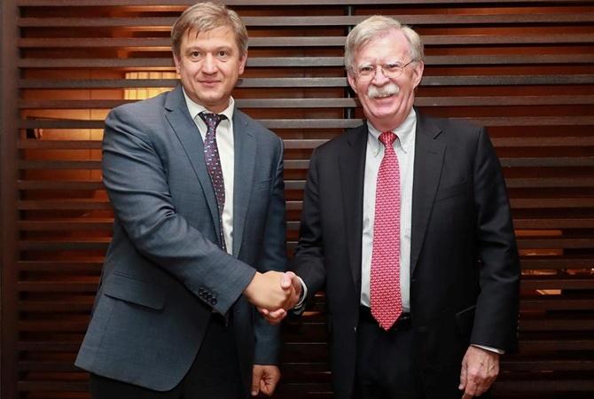 Секретарь СНБО встретился с советником президента США по вопросам нацбезопасности