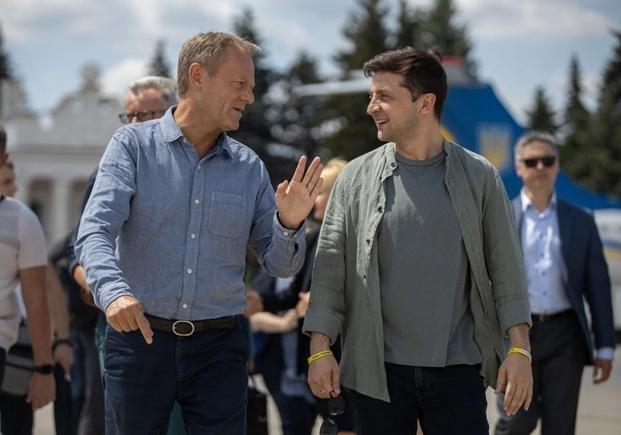 """Зеленский поблагодарил Туска за приглашение присоединиться к """"Большой семерке"""" в США"""