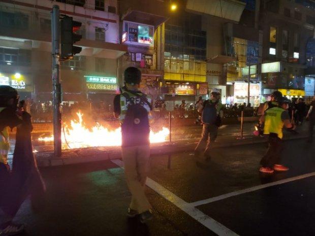"""""""Кладем завещания в рюкзаки и идем на протест"""": в Гонконге ждут провозглашения АТО"""