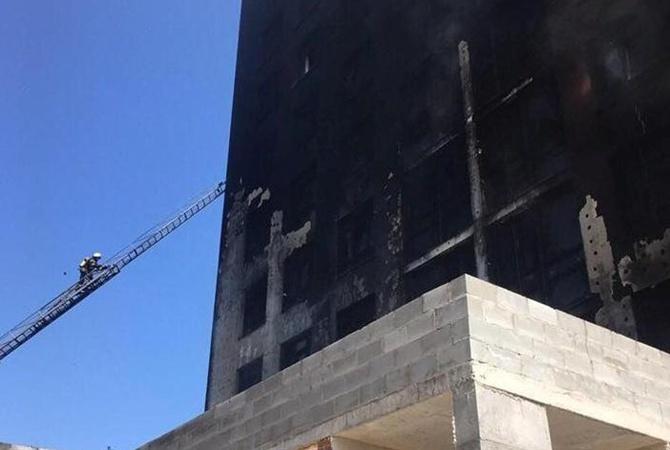 В Киеве горела элитная многоэтажка   [фото]