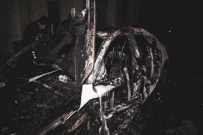 Автомобиль невестки Валерии Гонтаревой сожгли ночью в Киеве [фото, видео, дополнено]