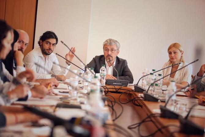 У Зеленского и Порошенко поспорили из-за законопроекта о кино