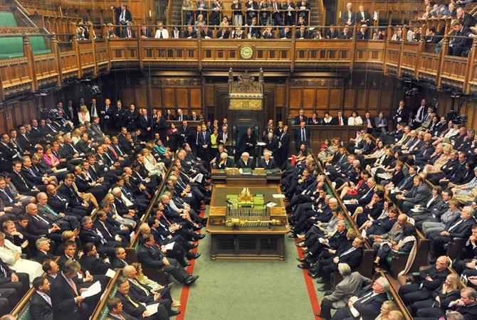 Парламент Великобритании ушел на самый длительный перерыв в своей истории