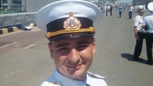 Как дела у моряков: Андрей Эйдер сделал предложение девушке, а Василий Сорока рвется на службу