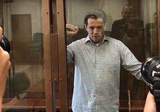 Вернувшемся в Украину политзаключенному Сущенко на 20 лет запретили въезд в Россию