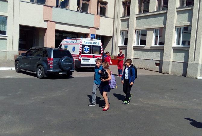 В черкасской школе ученик распылил газовый баллончик, пострадали 20 детей [фото]