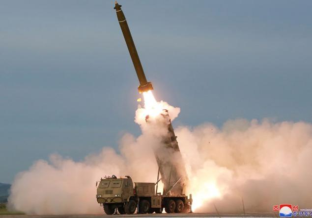 КНДР запустила две неопознанные ракеты