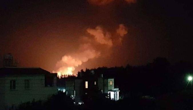 На Кипре прогремели взрывы на военном складе, есть пострадавшие [фото,видео]