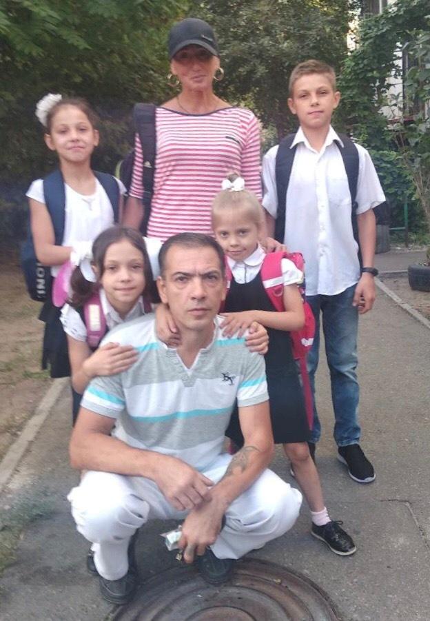 Драма в Одессе: У заботливого отца дочку силой забрали в приют [фото]