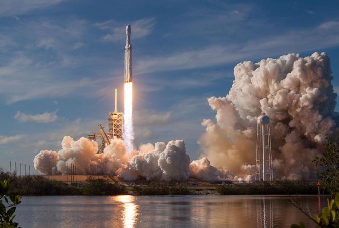 Что означает открытие космоса для частных компаний, за которое проголосовали в Раде