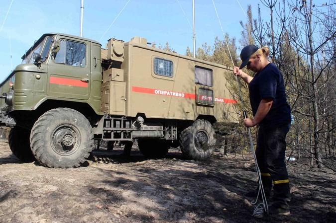 В Чернобыле третьи сутки не прекращается пожар [фото]