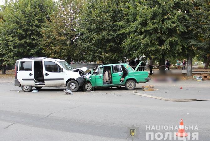 В Черновцах столкнулись Fiat и ВАЗ, погибли два человека   [фото, видео]