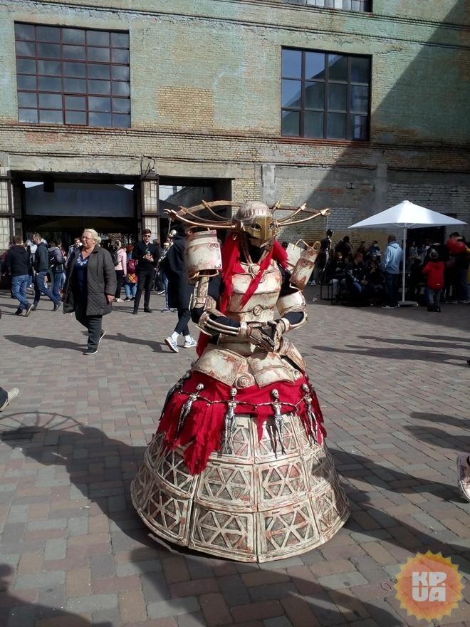 """""""В шлеме ничего не видно, а в костюме сложно двигаться"""": участники Comic-Con Ukraine о своих образах"""