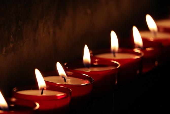 В Житомирской и Одесской областях объявили траур по погибшим в двух смертельных авариях