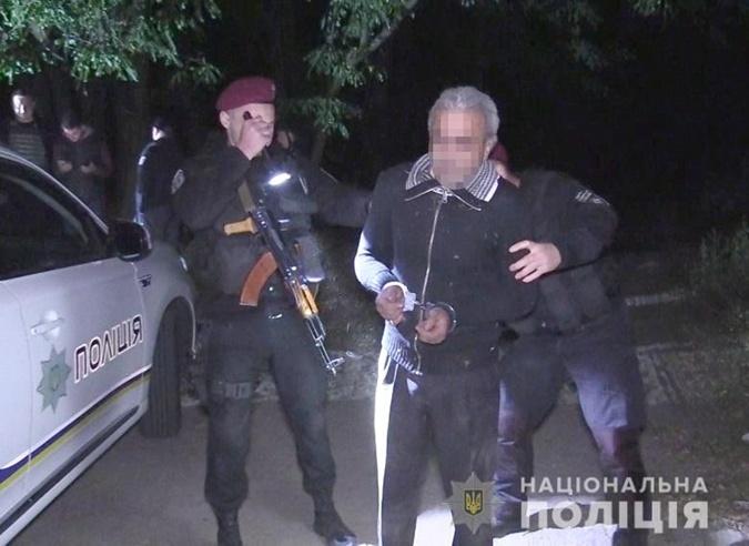 В Киеве неизвестный открыл стрельбу по полицейским [фото,видео]